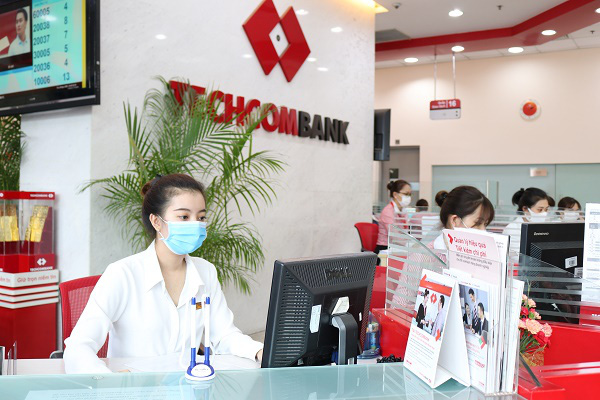 Techcombank tiếp tục giữ vững vị thế và được vinh danh trong hoạt động phát hành và thanh toán thẻ năm 2020 - Ảnh 1.