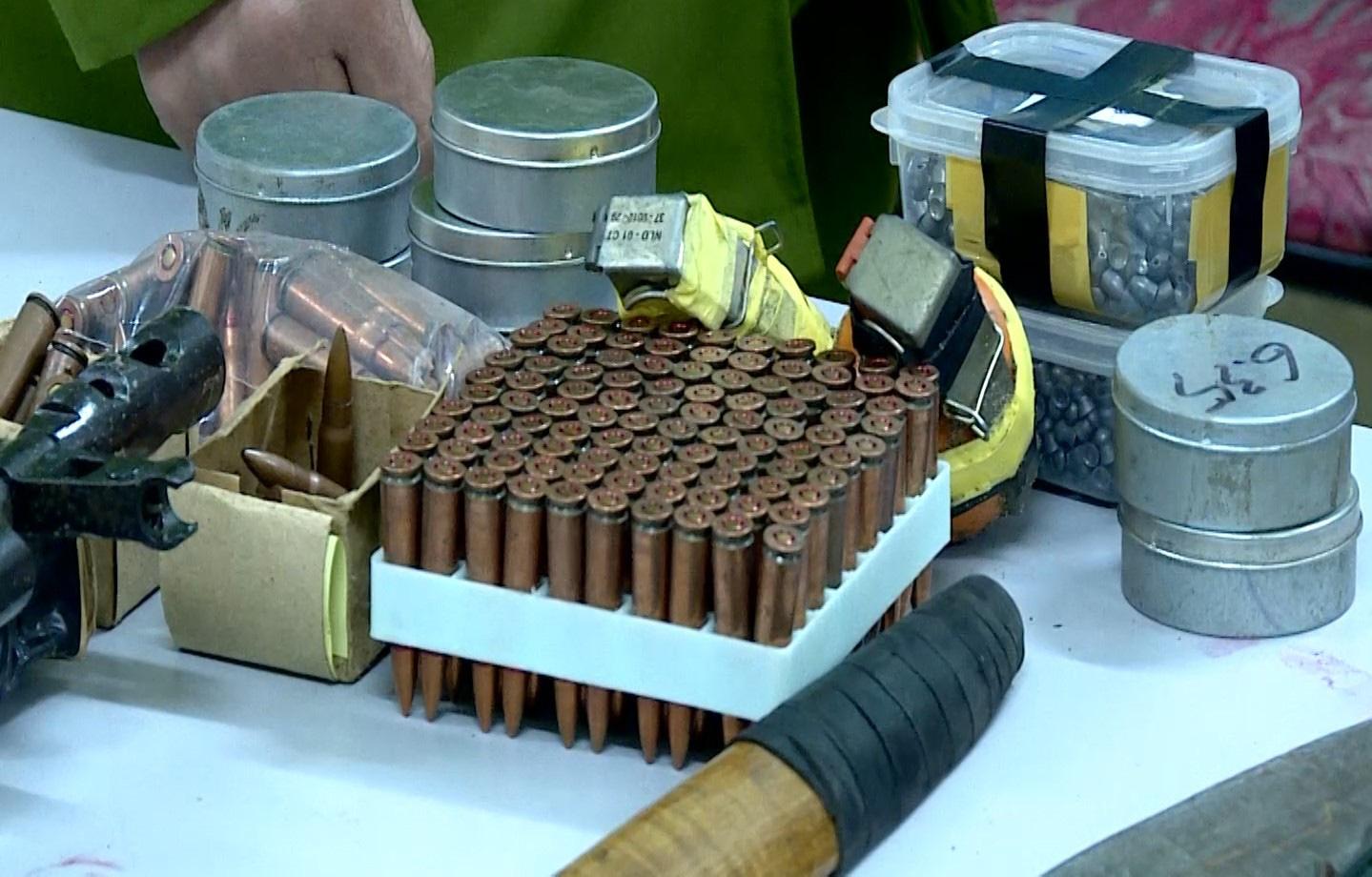 Công an Sơn La tóm gọn đối tượng nổ 5 phát súng, tàng trữ trái phép chất ma túy  - Ảnh 5.