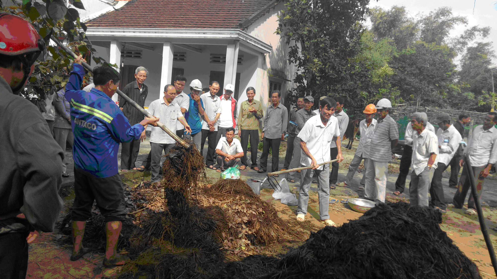 Quảng Nam: Biến những thứ bỏ đi thành 6.420 tấn phân hữu cơ giúp nông dân - Ảnh 1.