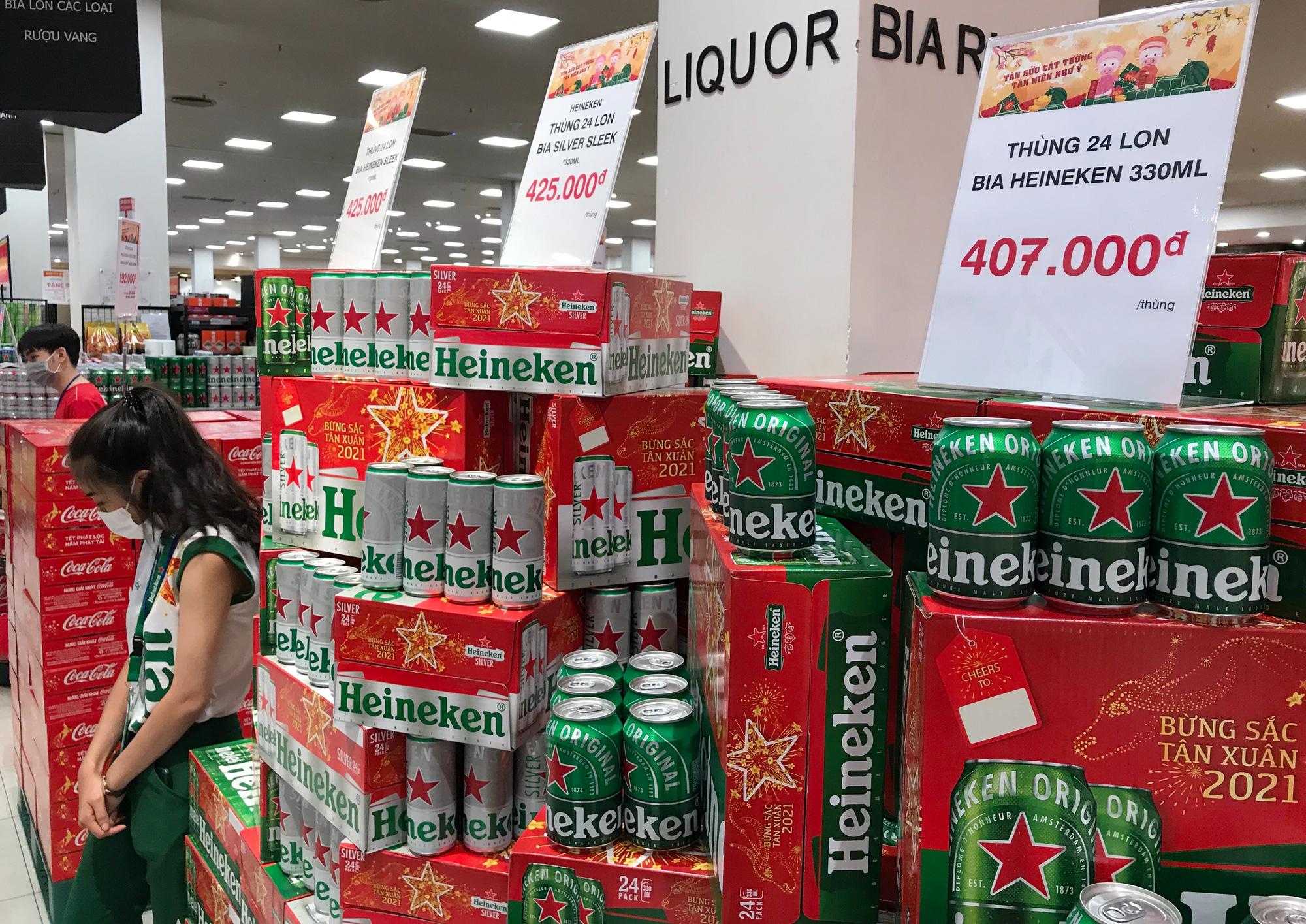Chưa Tết, giá bia đã rục rịch tăng - Ảnh 1.