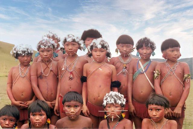 Bộ tộc sống biệt lập trong rừng sâu Amazon với những tập tục kỳ lạ, ghê rợn - Ảnh 8.