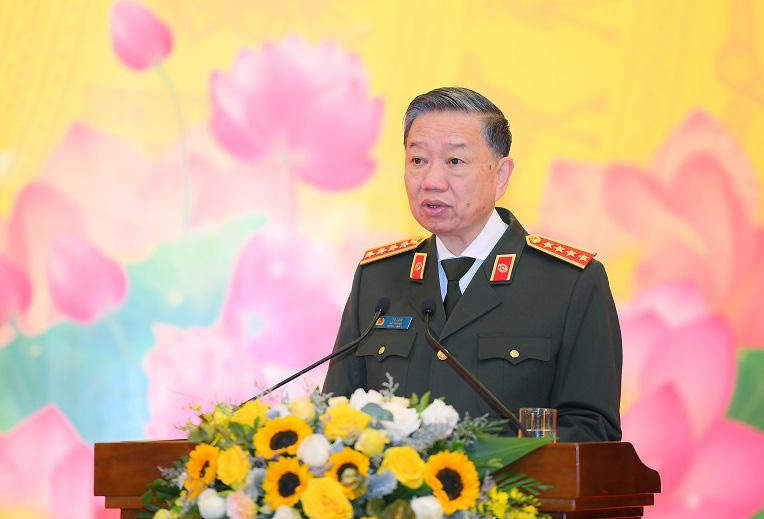 Bộ trưởng Công an: Các thế lực thù địch đẩy mạnh xuyên tạc, chống phá nền tảng tư tưởng của Đảng - Ảnh 1.