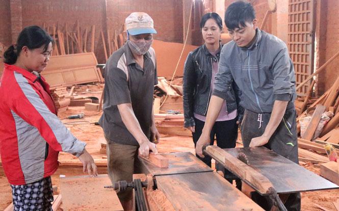 Thị xã Phổ Yên: Chú trọng đào tạo nghề cho lao động nông thôn góp phần chuyển dịch cơ cấu lao động - Ảnh 1.