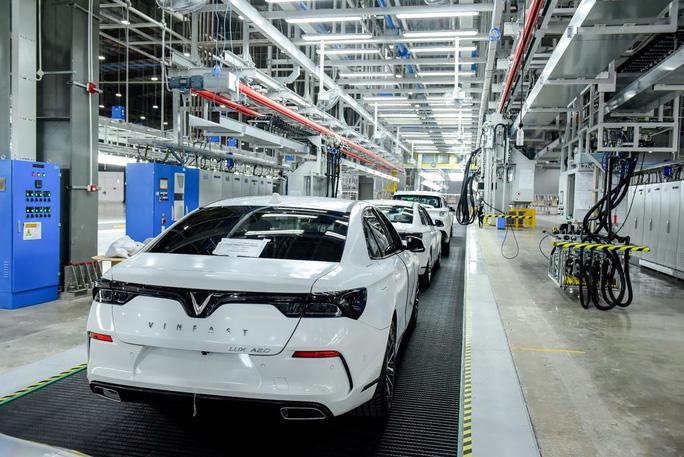"""Nhà máy ôtô VinFast nộp ngân sách gần 5.000 tỷ đồng, Honda và Toyota """"giảm sâu"""" - Ảnh 1."""