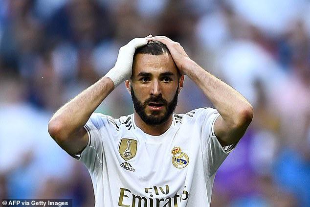 Benzema chuẩn bị hầu tòa vì cáo buộc có liên quan đến vụ tống tiền Valbuena.