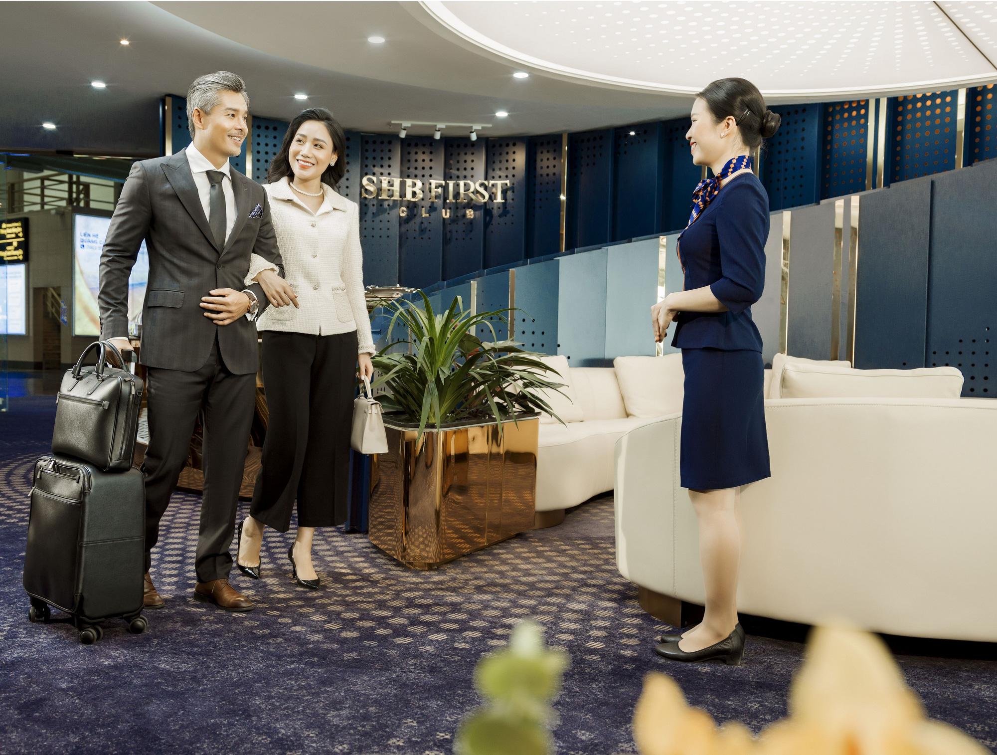 SHB First Club Nội Bài – phòng chờ sân bay mạ vàng 24K đầu tiên được ra mắt - Ảnh 2.