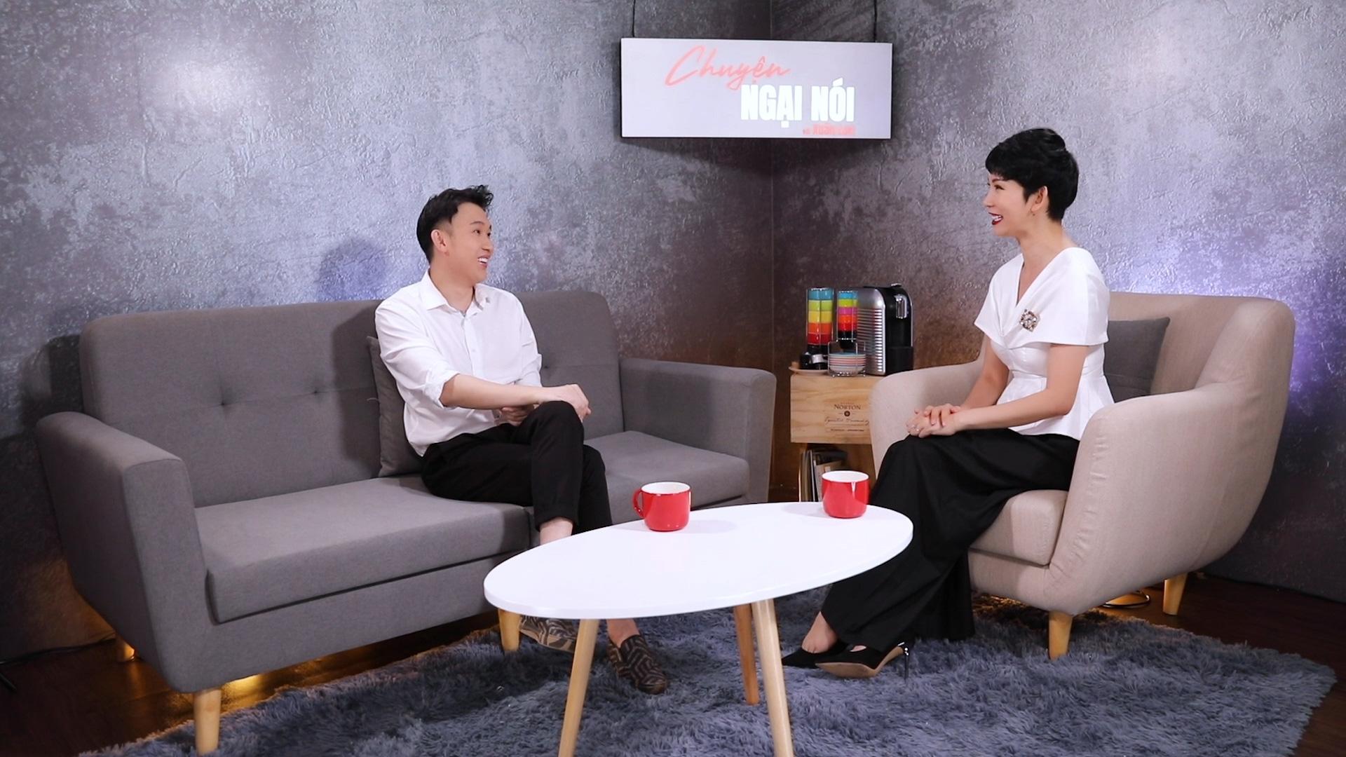 """Dương Triệu Vũ: """"Anh Hoài Linh sinh ra lúc gia đình có xe hơi, còn tôi sinh ra phải ở chuồng heo"""" - Ảnh 2."""