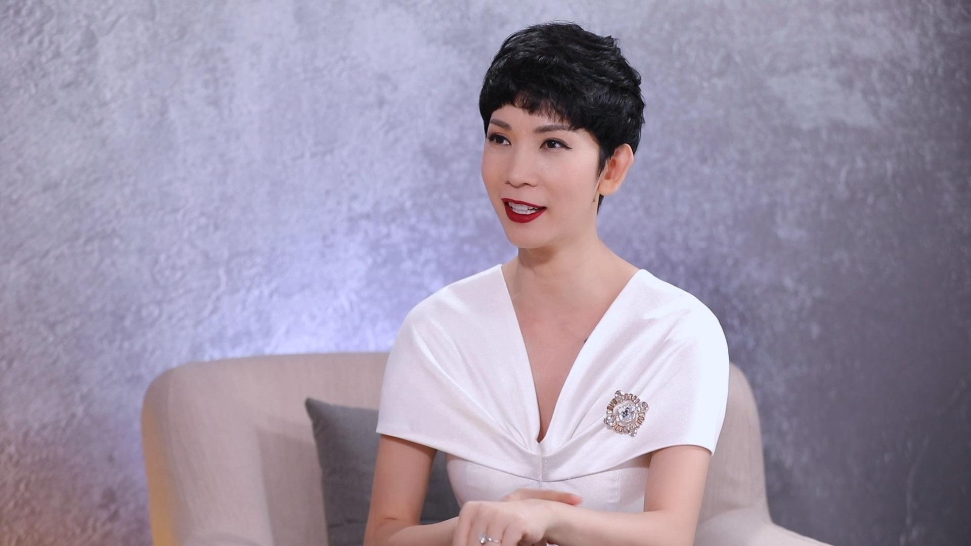 """Dương Triệu Vũ: """"Anh Hoài Linh sinh ra lúc gia đình có xe hơi, còn tôi sinh ra phải ở chuồng heo"""" - Ảnh 3."""