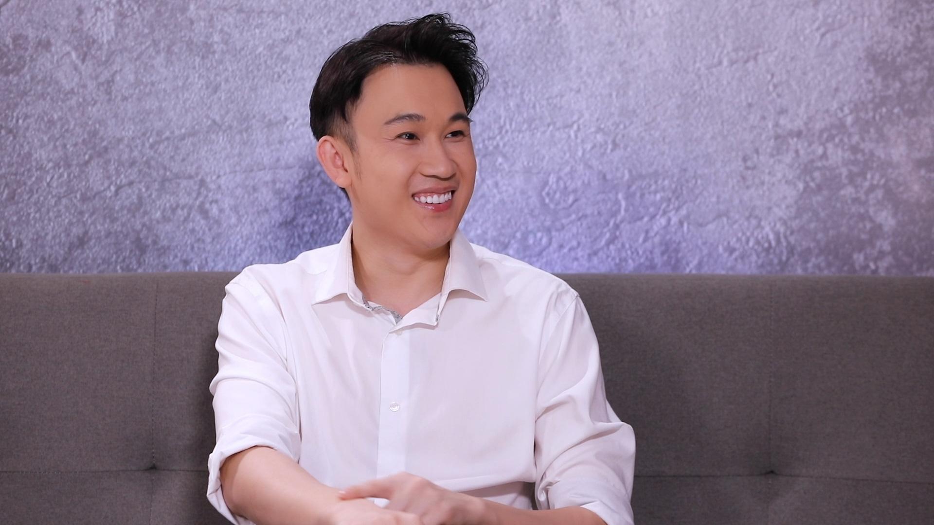 """Dương Triệu Vũ: """"Anh Hoài Linh sinh ra lúc gia đình có xe hơi, còn tôi sinh ra phải ở chuồng heo"""" - Ảnh 5."""