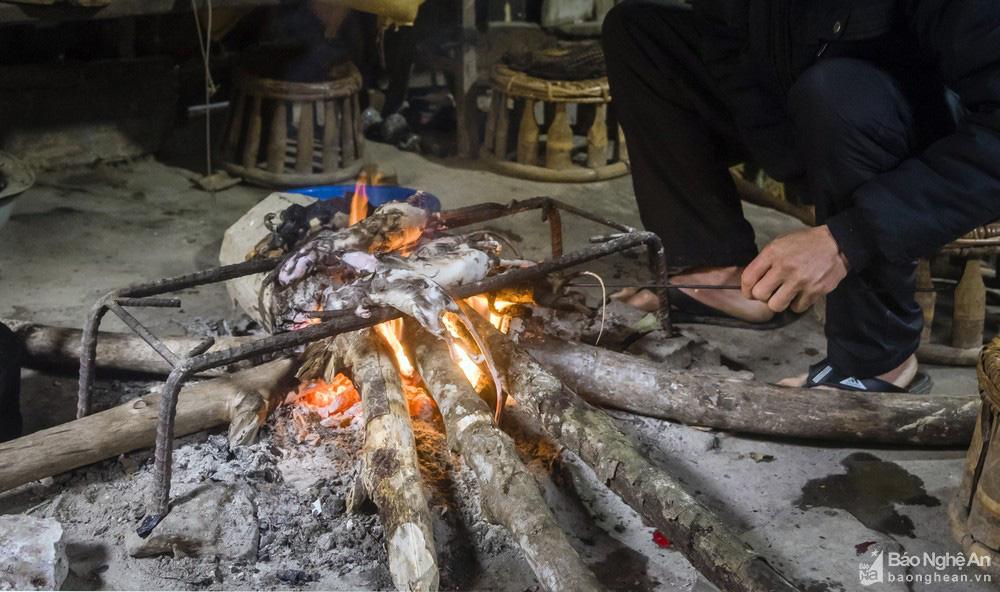 Thơm 'điếc mũi' thịt chuột rừng nơi Cổng trời Mường Lống tỉnh Nghệ An - Ảnh 2.