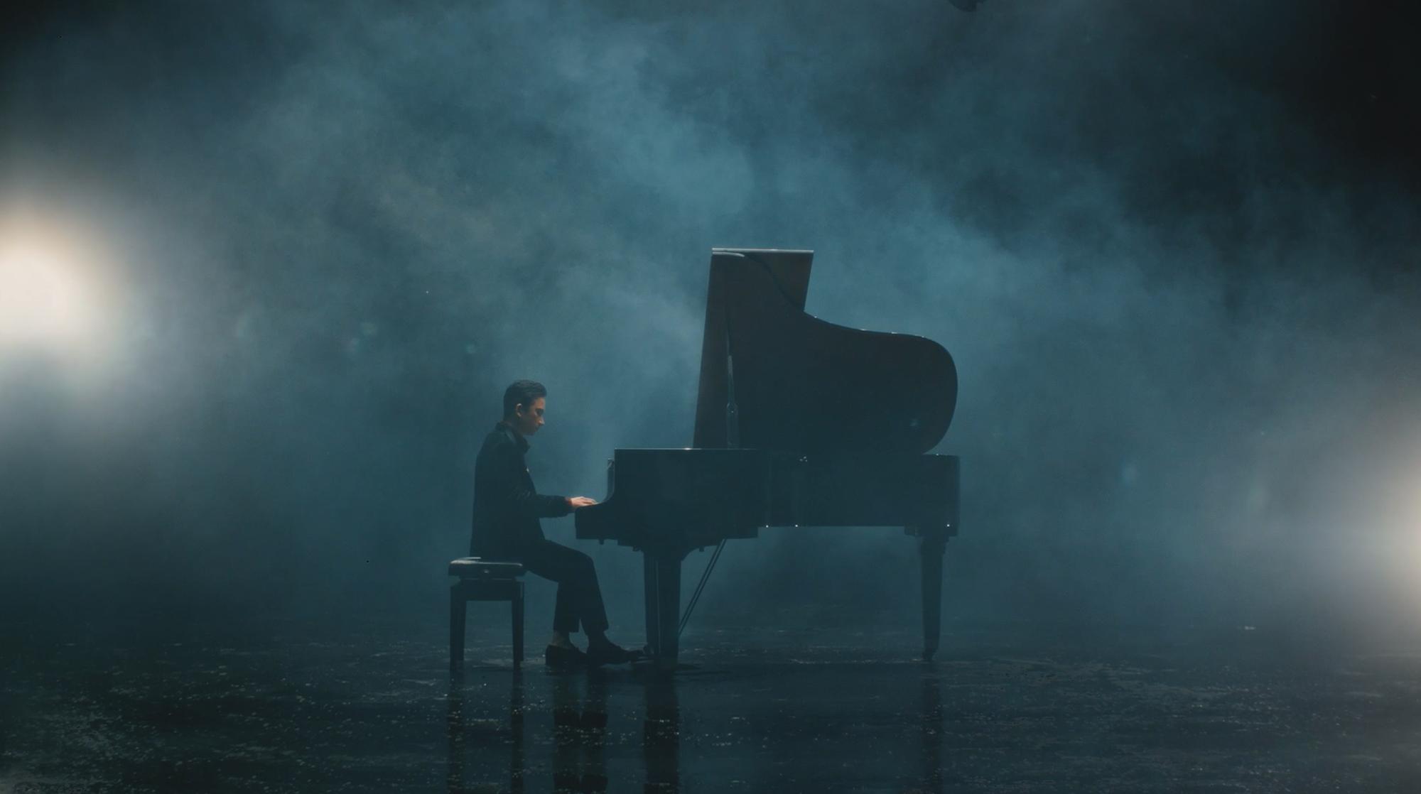 Kết hợp với Karik đưa rap vào ca khúc, Phan Mạnh Quỳnh khiến người hâm mộ đứng ngồi không yên - Ảnh 1.