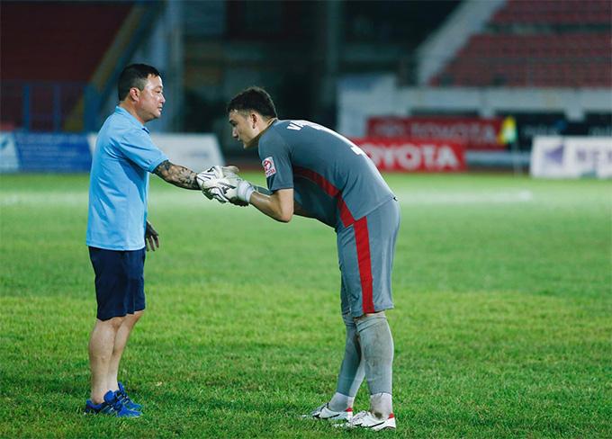 """Thầy cũ Đặng Văn Lâm: """"Cầu thủ Việt Nam chơi bóng tại Nhật là bình thường"""" - Ảnh 1."""