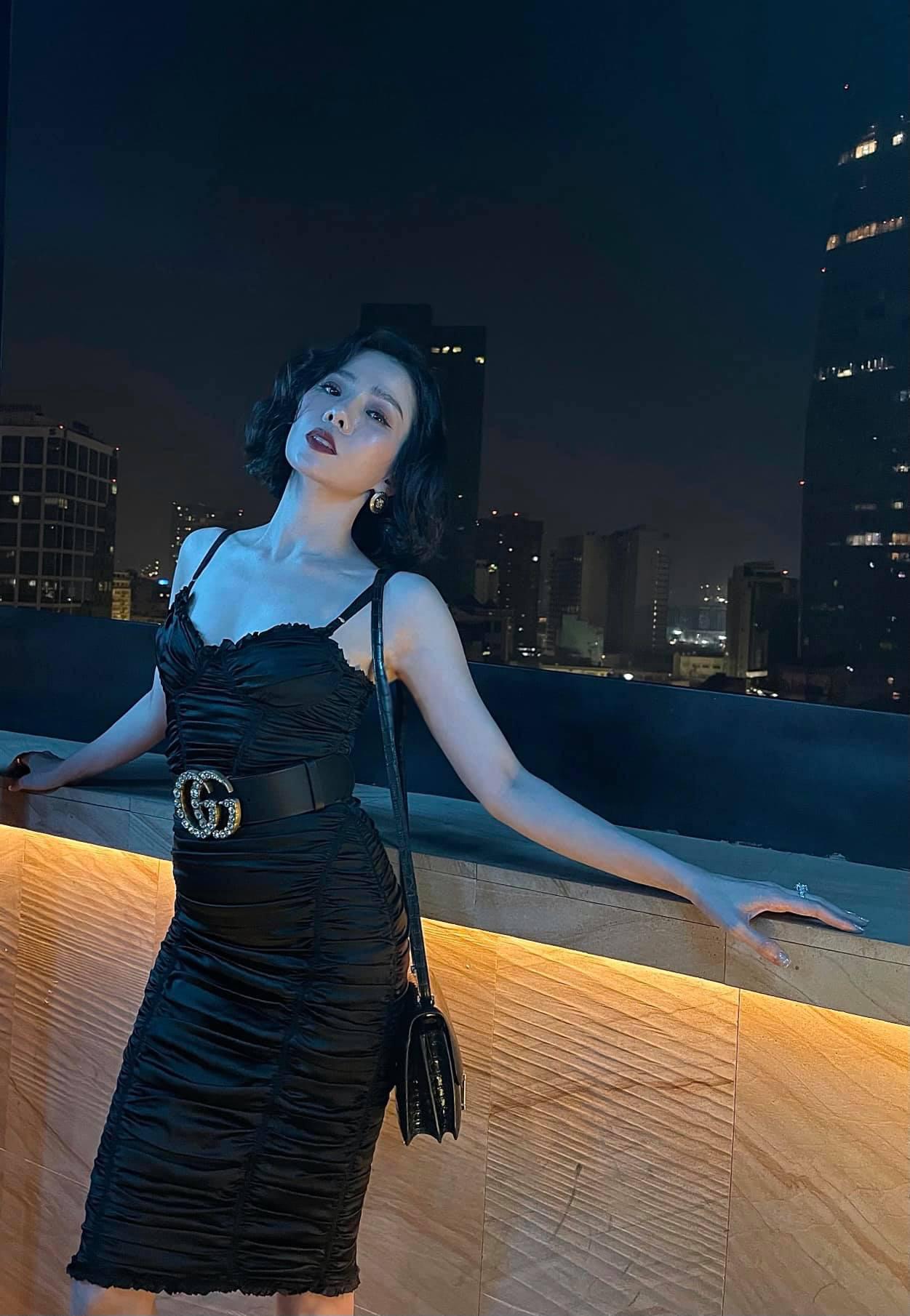 Mỹ nhân mặc quyến rũ tuần qua: Minh Hằng mặc váy yếm, Ngọc Trinh diện váy siêu ngắn - Ảnh 5.