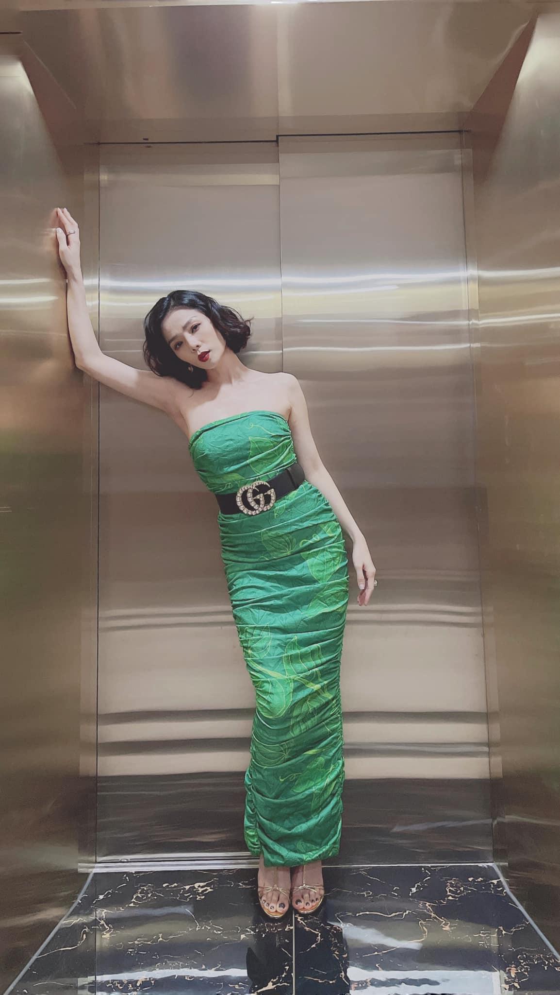 Mỹ nhân mặc quyến rũ tuần qua: Minh Hằng mặc váy yếm, Ngọc Trinh diện váy siêu ngắn - Ảnh 6.