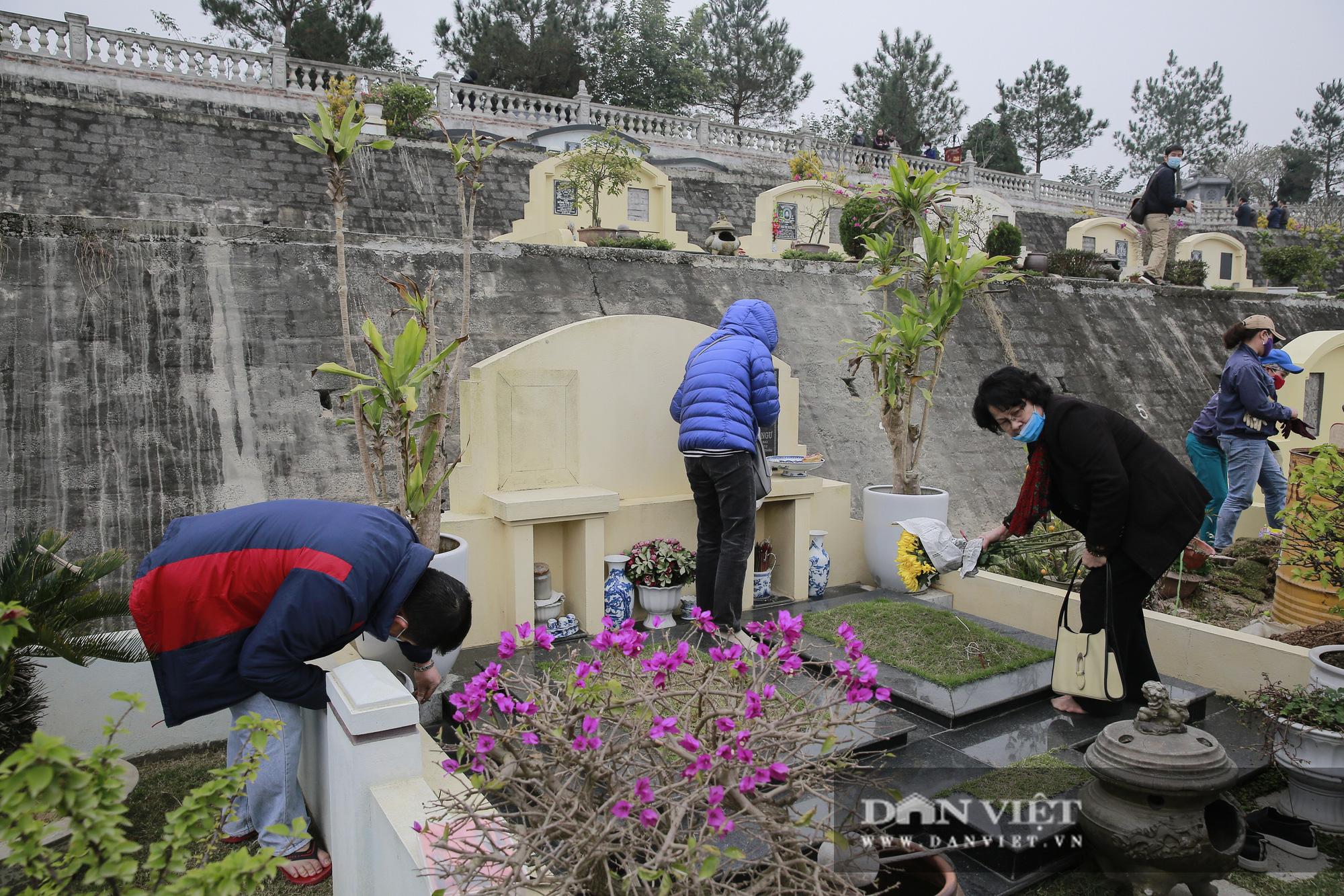 Siêu công viên nghĩa trang 5 sao nhộn nhịp những ngày cận Tết Nguyên đán - Ảnh 3.