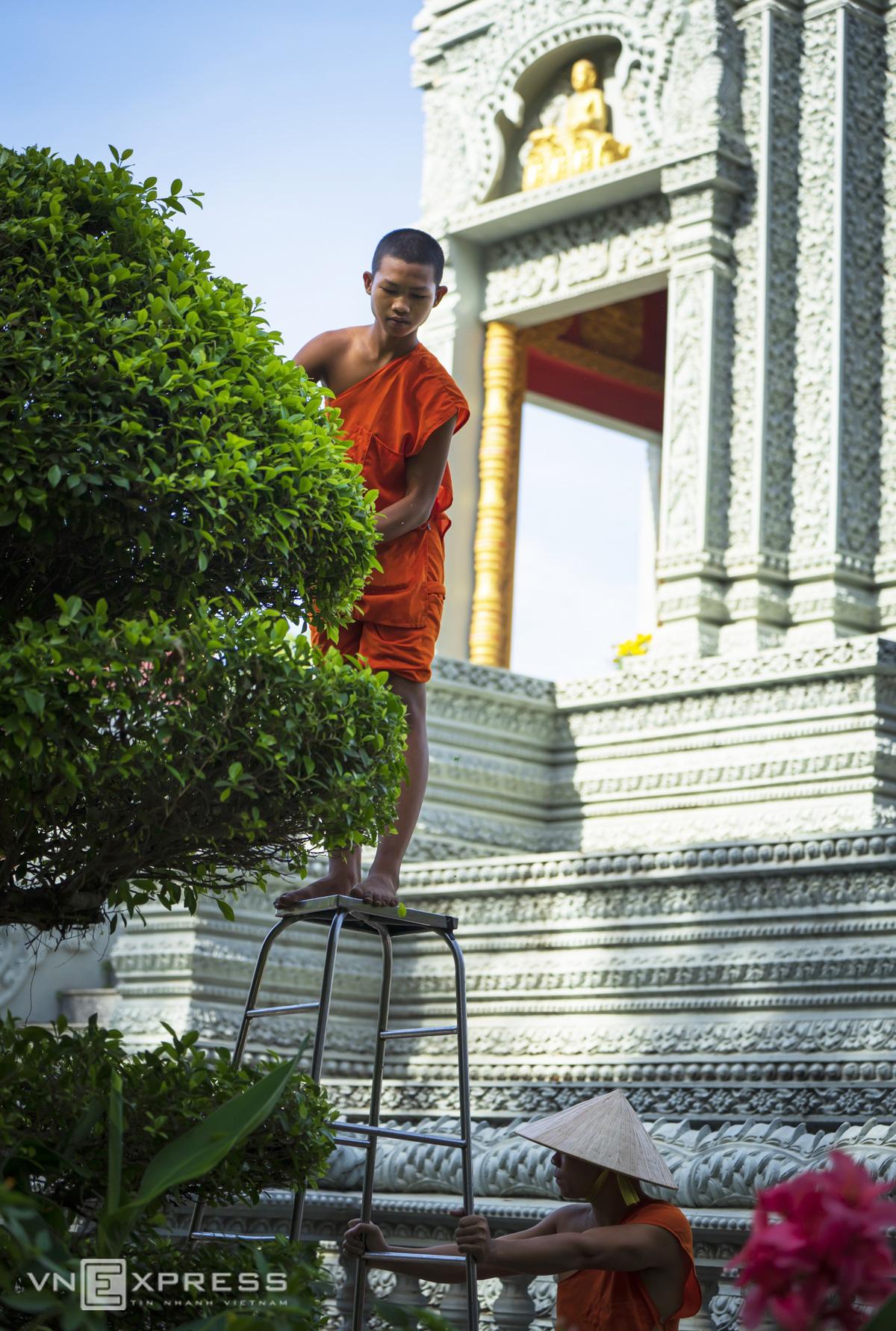 Ngày giáp Tết trong chùa có tượng Phật nằm khổng lồ - Ảnh 4.