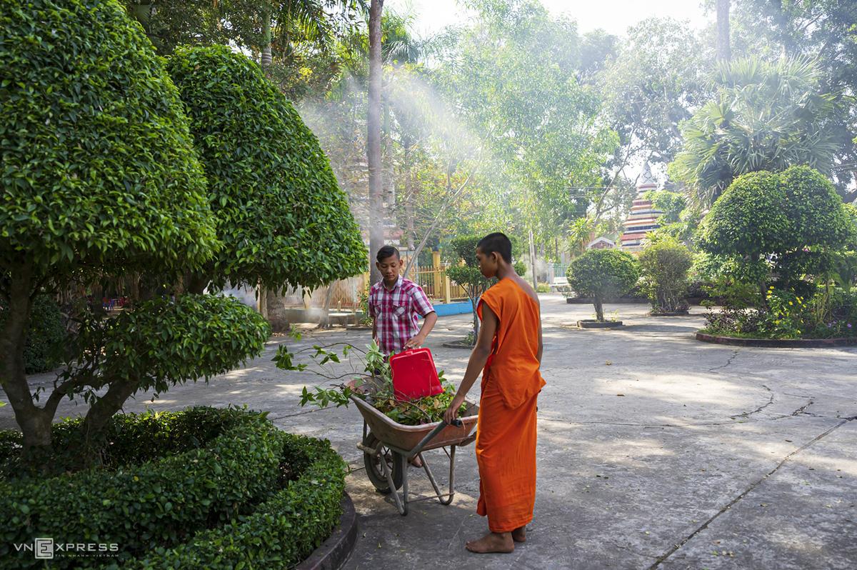 Ngày giáp Tết trong chùa có tượng Phật nằm khổng lồ - Ảnh 3.