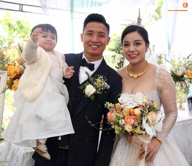 """Những """"ngôi sao Thường Châu"""" nào của U23 Việt Nam đã cưới vợ? - Ảnh 1."""