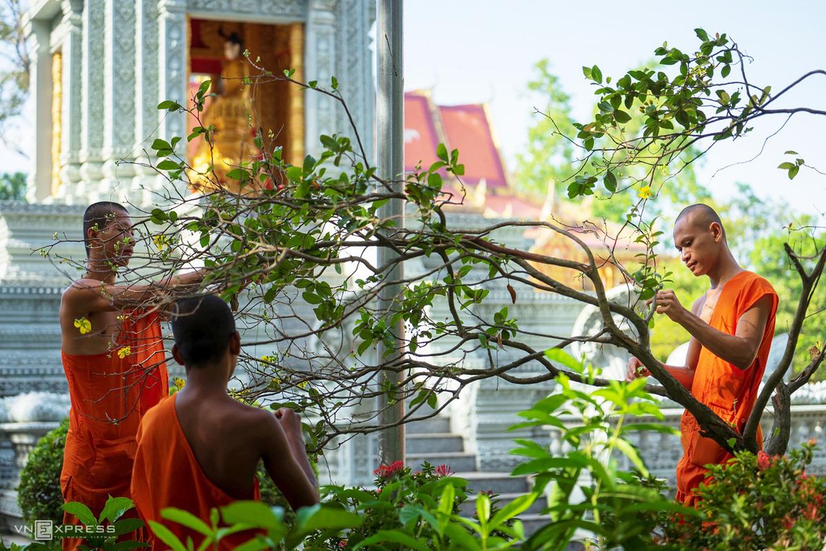 Ngày giáp Tết trong chùa có tượng Phật nằm khổng lồ - Ảnh 5.