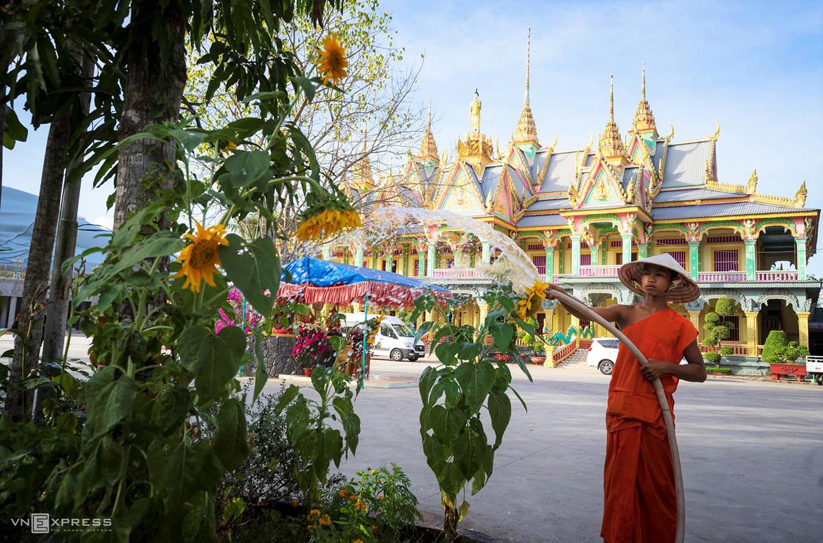 Ngày giáp Tết trong chùa có tượng Phật nằm khổng lồ - Ảnh 9.