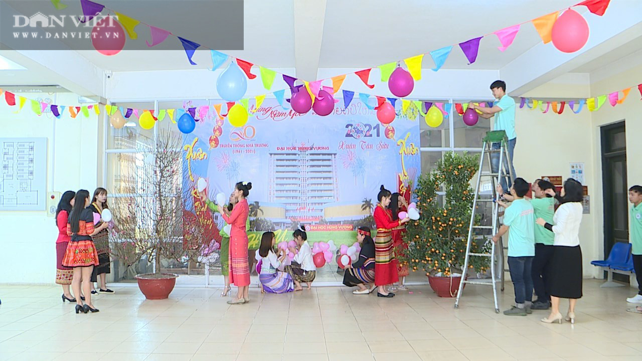 Phú Thọ: Không được về, hơn 200 sinh viên Lào hào hứng đón Tết Việt - Ảnh 2.