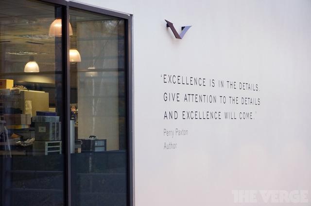 Vertu luôn đề cao sự chính xác và tỉ mỉ trong lắp ráp ở các nhân viên của mình để đem đến những sản phẩm tuyệt vời dành cho các khách hàng của mình.
