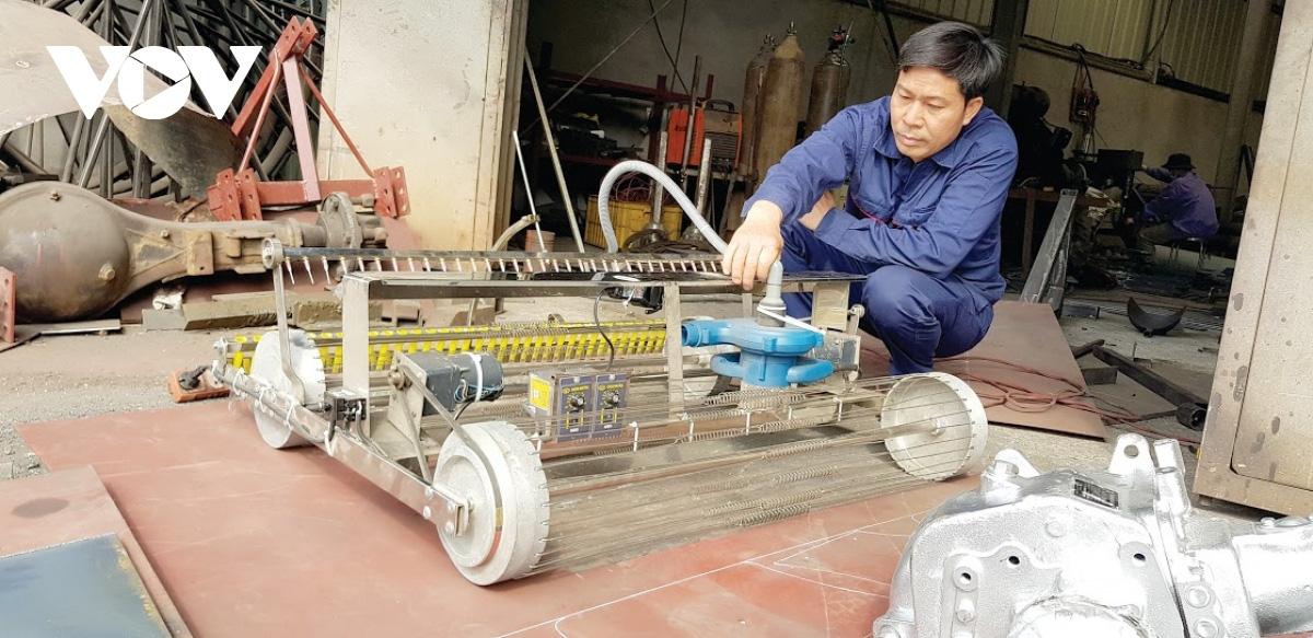Nông dân tỉnh Hải Dương sáng chế 40 loại máy nông nghiệp, được Chủ tịch nước tặng Huân chương là ai? - Ảnh 1.