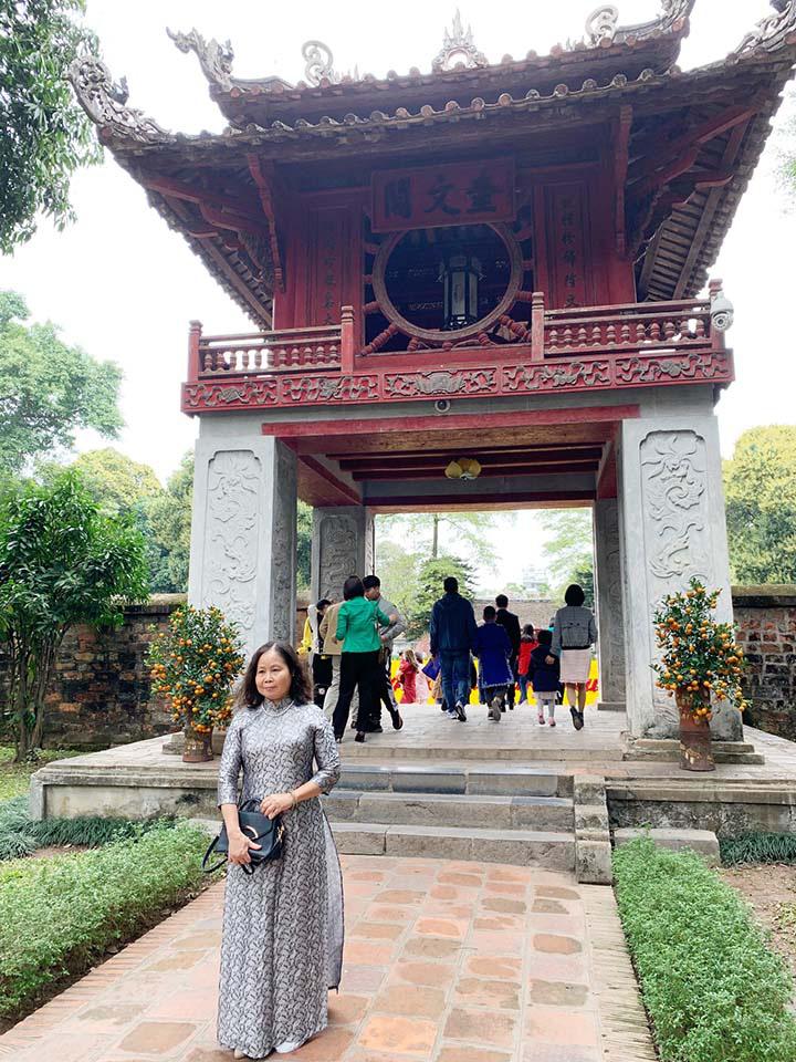 Hà Nội, Đà Nẵng: Các điểm du lịch, chùa đông nghịt người đi lễ chùa đầu năm - Ảnh 4.