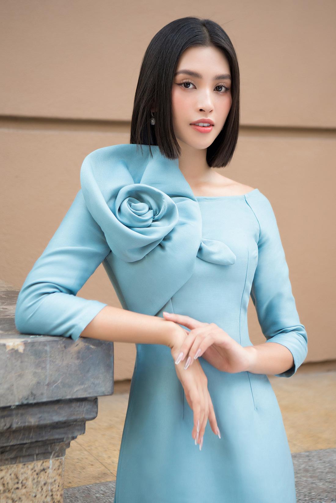 Đỗ Mỹ Linh, Trần Tiểu Vy gợi ý cách mặc áo dài Tết đẹp như hoa hậu - Ảnh 6.