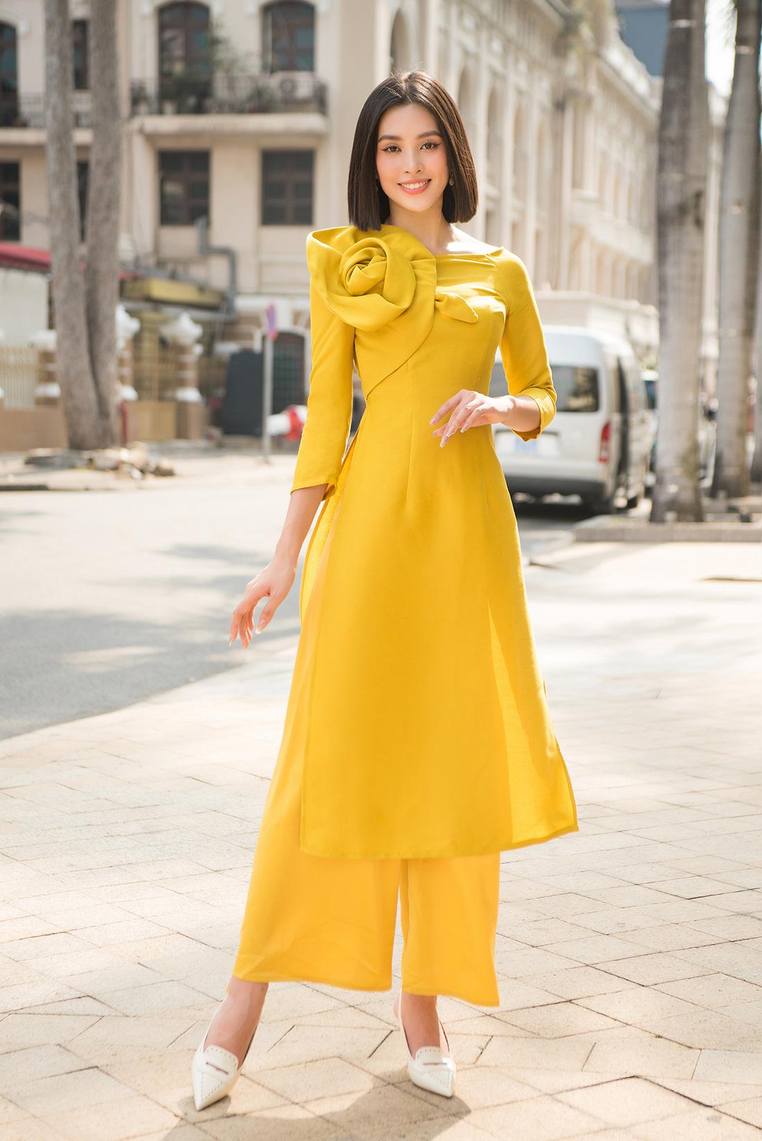 Đỗ Mỹ Linh, Trần Tiểu Vy gợi ý cách mặc áo dài Tết đẹp như hoa hậu - Ảnh 4.