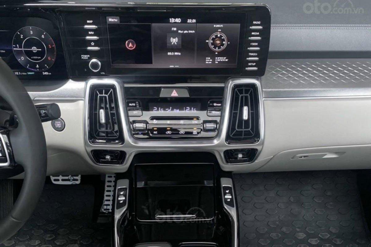 Khu vực điều khiển trung tâm trên xe Kia Sorento 2021 1