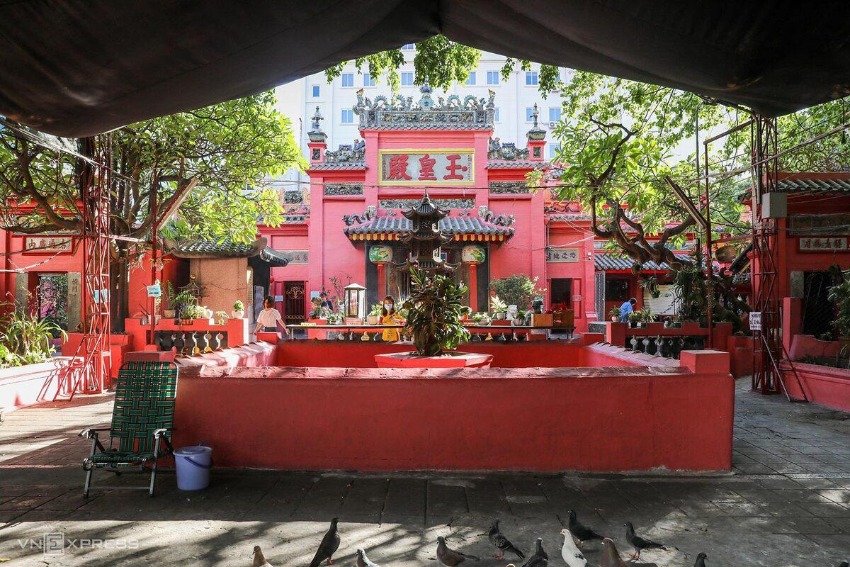 5 chốn cầu duyên linh thiêng ở Sài Gòn - Ảnh 8.