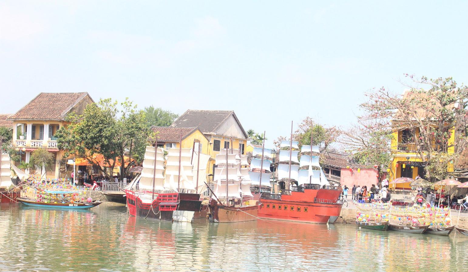 Quảng Nam: Ngày tết, phố cổ Hội An đìu hiu khách du lịch - Ảnh 8.
