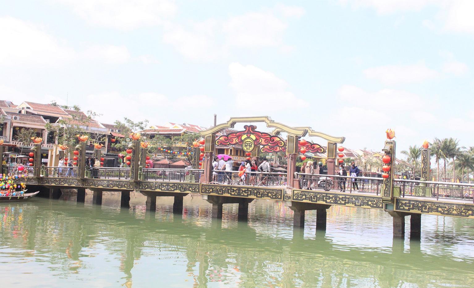 Quảng Nam: Ngày tết, phố cổ Hội An đìu hiu khách du lịch - Ảnh 2.