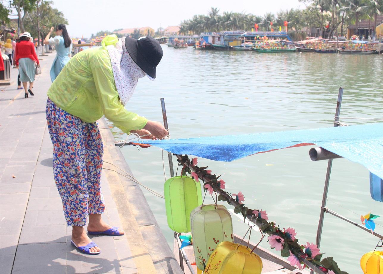 Quảng Nam: Ngày tết, phố cổ Hội An đìu hiu khách du lịch - Ảnh 5.