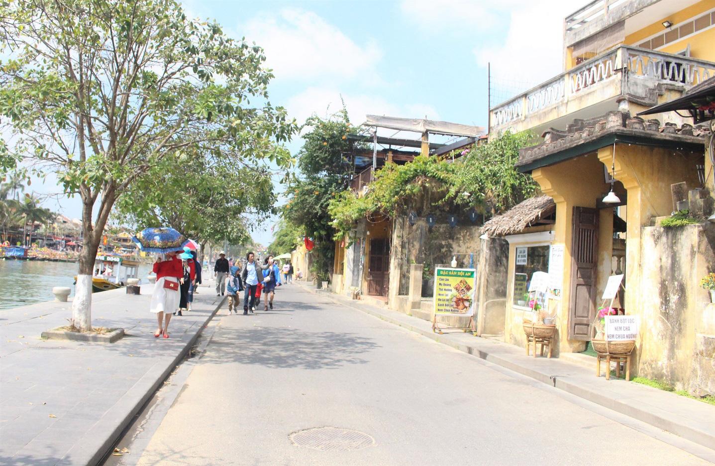 Quảng Nam: Ngày tết, phố cổ Hội An đìu hiu khách du lịch - Ảnh 3.
