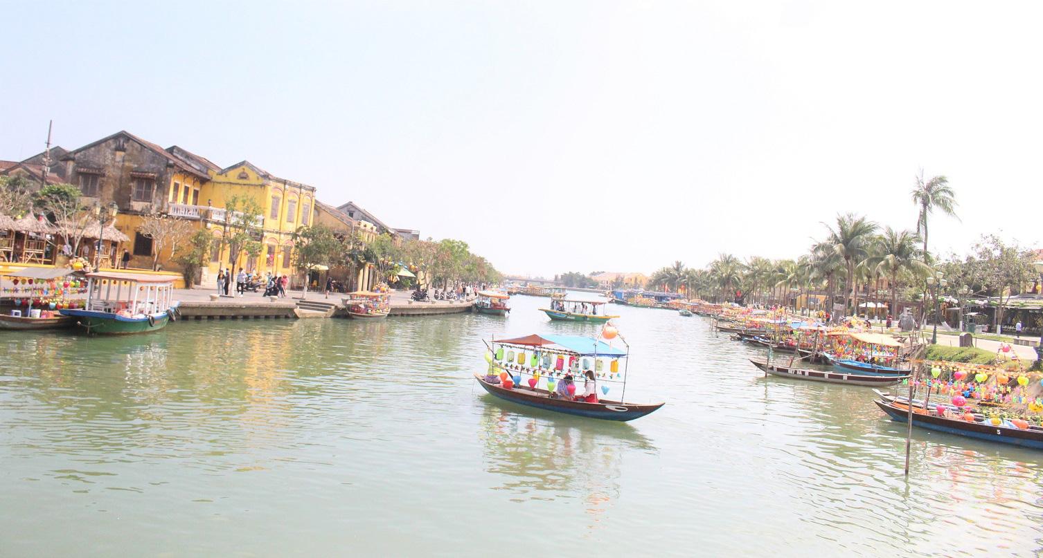 Quảng Nam: Ngày tết, phố cổ Hội An đìu hiu khách du lịch - Ảnh 6.