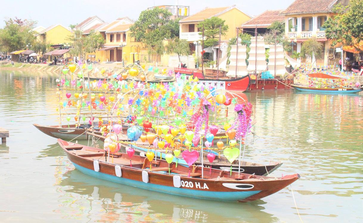 Quảng Nam: Ngày tết, phố cổ Hội An đìu hiu khách du lịch - Ảnh 7.