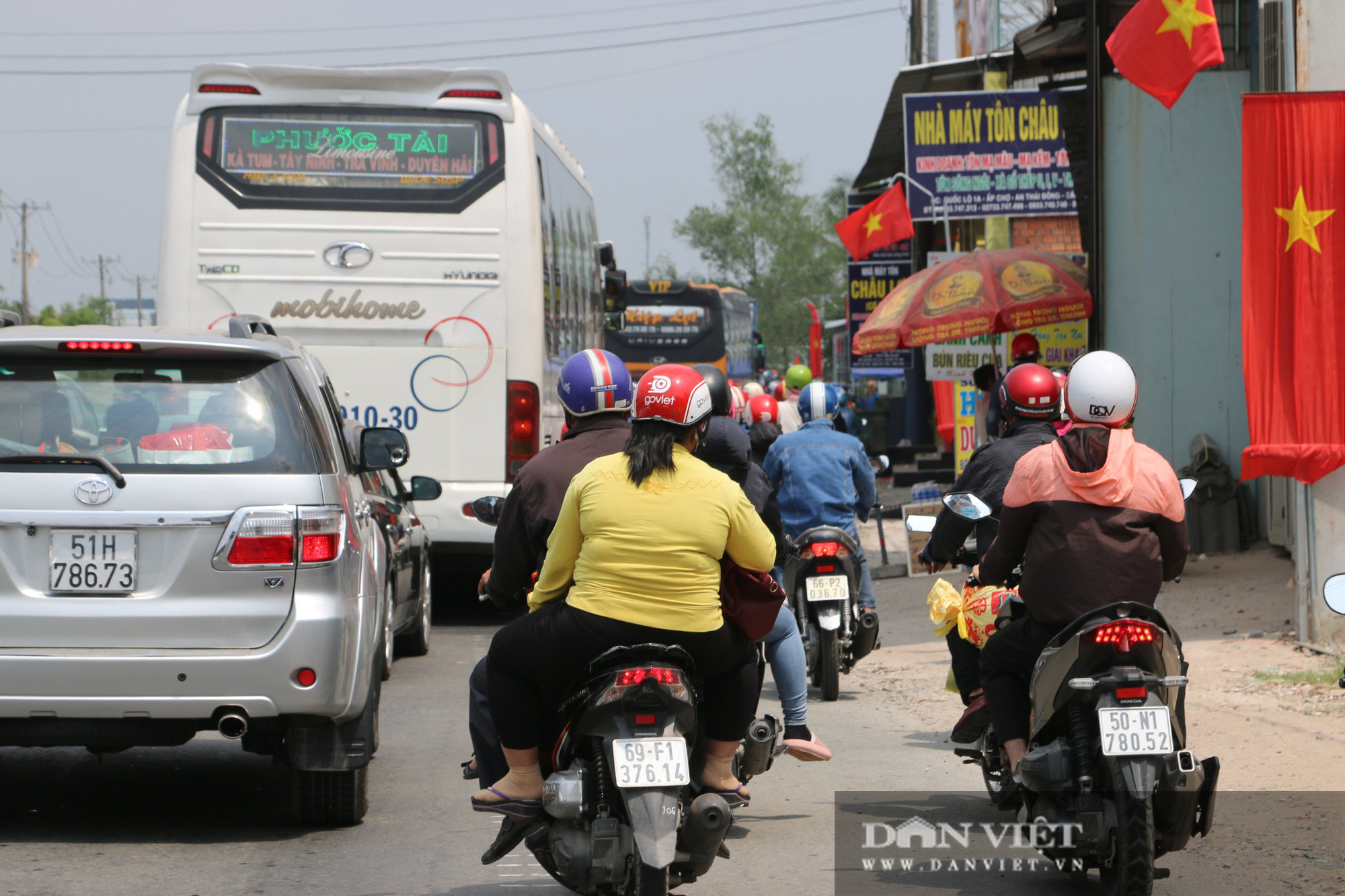 Người dân miền Tây về TP.HCM ngày mùng 5 Tết: Di chuyển dễ dàng - Ảnh 4.