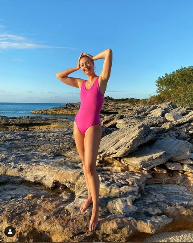 """Maria Sharapova diện bikini nóng bỏng, khoe vòng 1... """"màn hình phẳng"""" - Ảnh 3."""