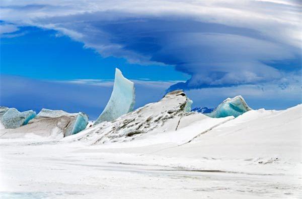 Tại sao băng Nam cực có màu xanh? - Ảnh 1.