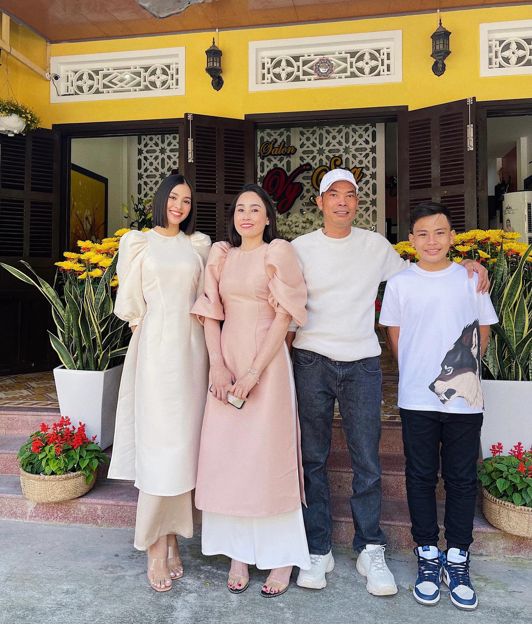 """Hoa hậu Trần Tiểu Vy: Tôi hơi """"tham lam"""" chọn người yêu chuẩn """"soái ca"""", cộng điểm cho trai đẹp - Ảnh 10."""