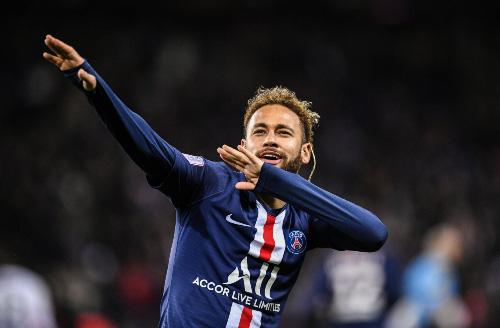 Neymar hạnh phúc khi PSG hạ Barcelona.