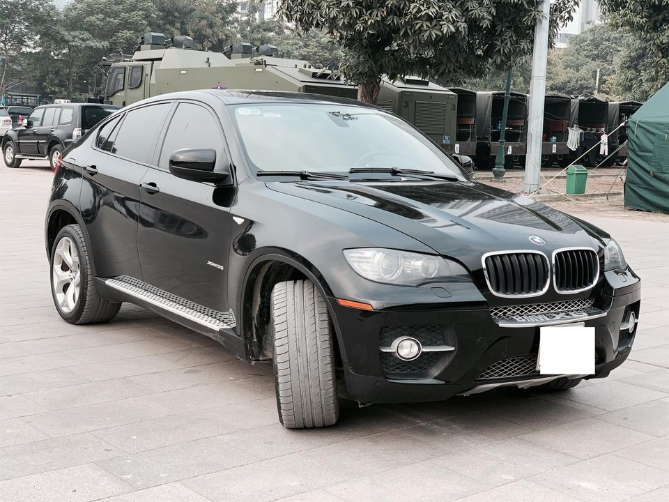 BMW X6 chạy 13 năm, người dùng công bố giá bán hấp dẫn - Ảnh 1.
