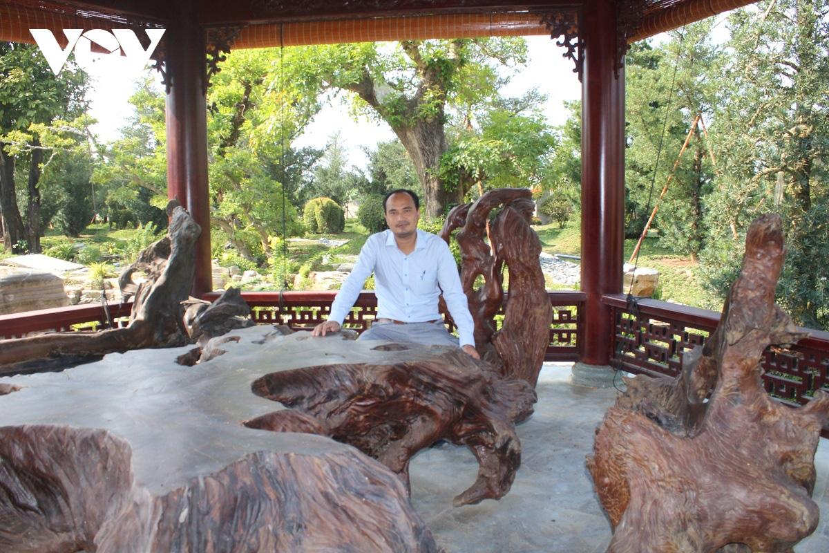 Tiền Giang: Vườn kiểng cổ thụ lớn nhất miền Tây, cây Vạn niên tùng 100 tuổi trông thế này mà giá tới 5 tỷ đồng - Ảnh 3.