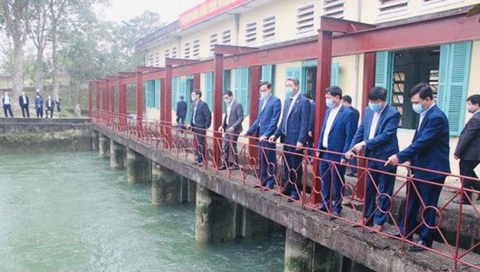 Chùm ảnh: Phó Chủ tịch UBND tỉnh Thanh Hóa Lê Đức Giang dự lễ ra quân, kiểm tra sản xuất đầu năm - Ảnh 3.