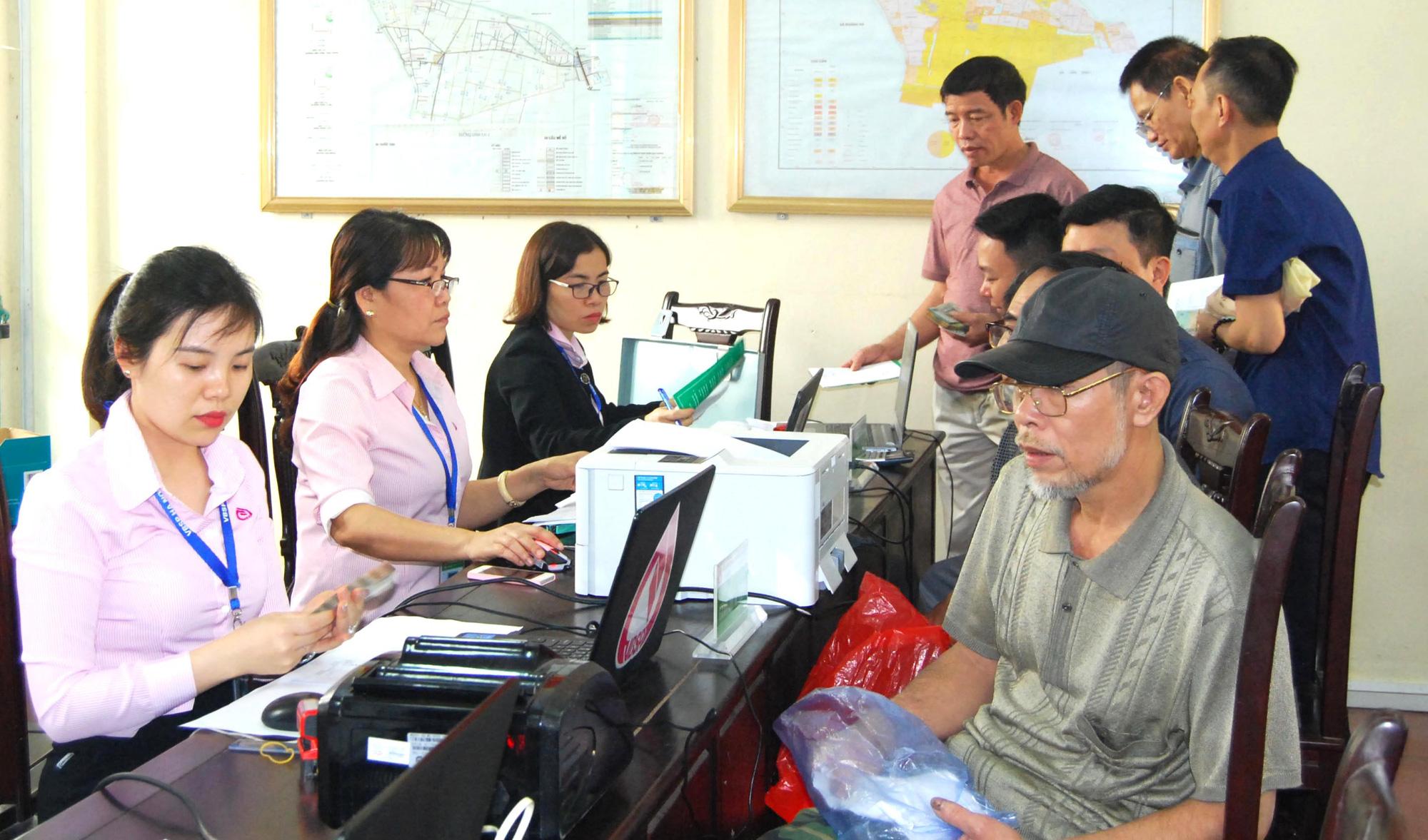 """Cử tri kiến nghị cho vay """"thoáng"""" hơn với hộ nghèo, Thống đốc Nguyễn Thị Hồng nói gì? - Ảnh 2."""