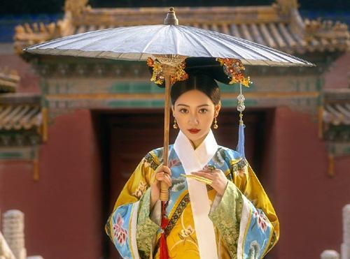 Vị hoàng hậu xinh đẹp, danh giá nhưng chưa từng được chồng chạm vào người - Ảnh 1.