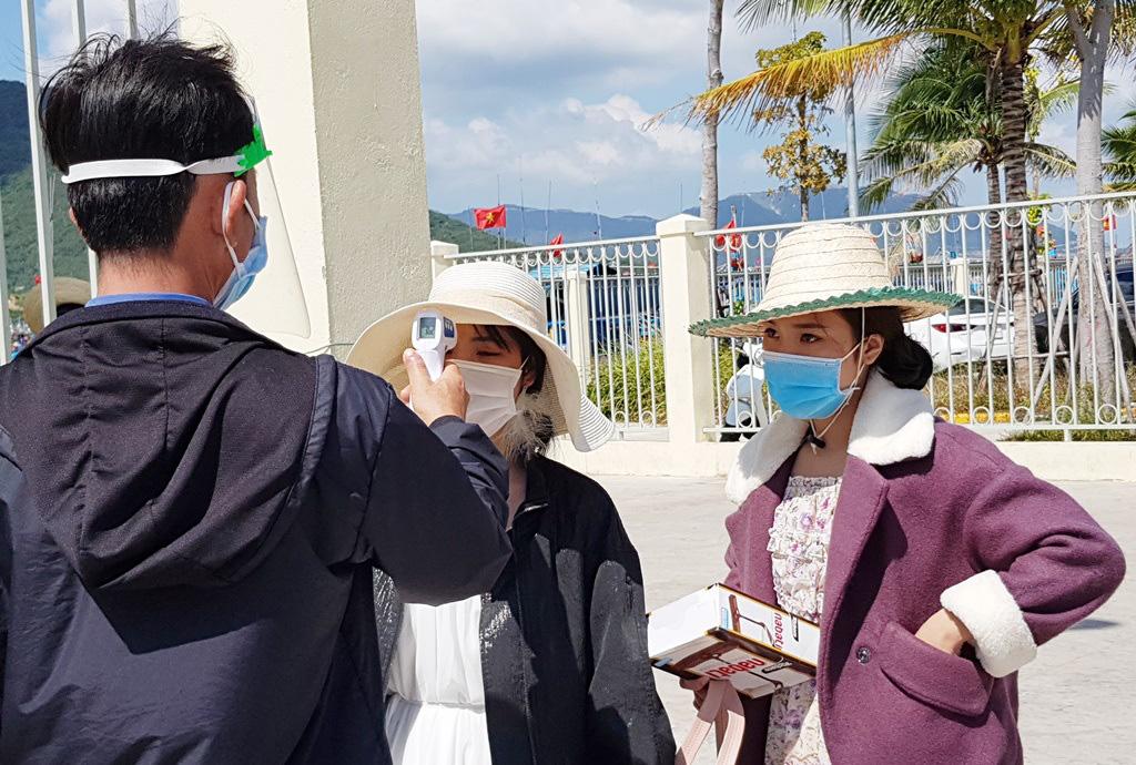 Nha Trang: Du khách đi tour biển đảo thưa vắng dịp Tết - Ảnh 5.