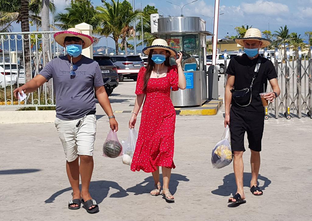 Nha Trang: Du khách đi tour biển đảo thưa vắng dịp Tết - Ảnh 6.